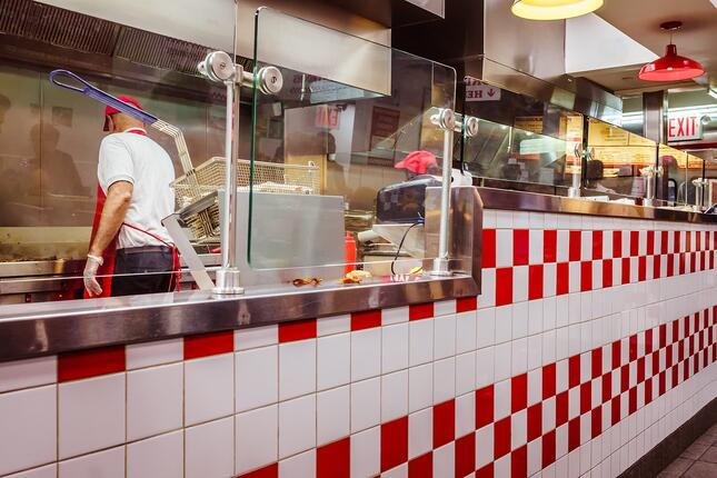 Why Should You Outsource Your Restaurant IT Deployment?